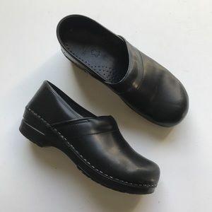 Dansko Clog Comfort Shoe Black Leather Size 41